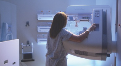 Women Check her Breast Health on Mammography